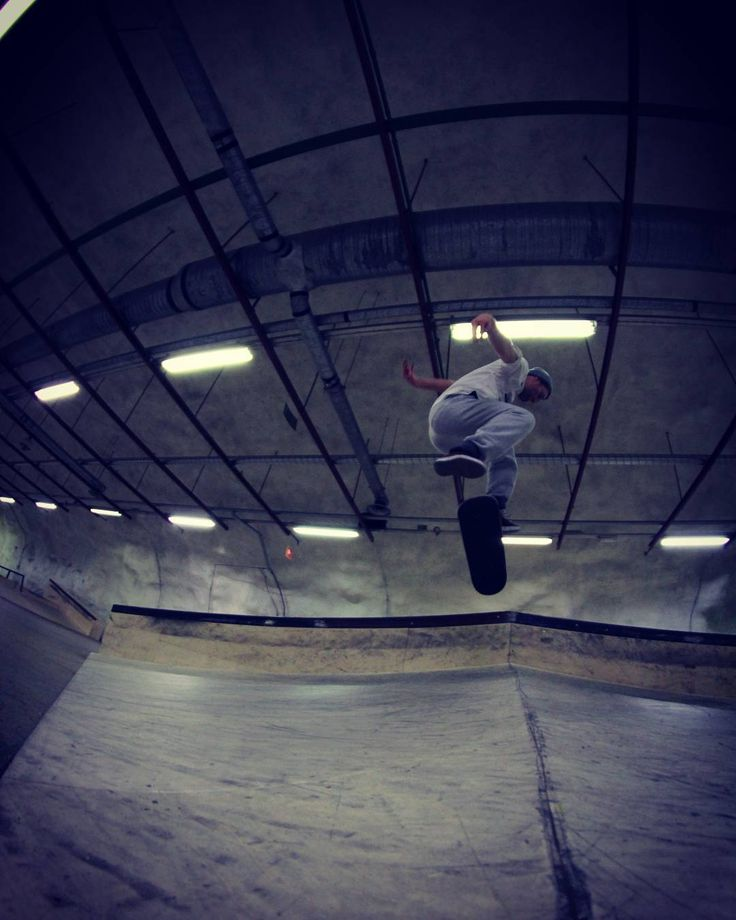 "Frame Video Magazine (@framevideomag) Instagramissa: ""Nice inside Park session with @jyripitkanen Nollie fs halfcap flip, photo by @eddystudio_fin…"""