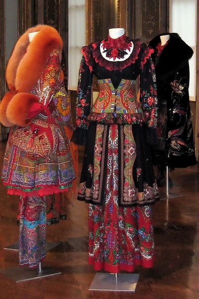 Modern Russian Fashion Line, Slava Zaitsew  Colors and patterns certainly follow the traditional costumes! Wonderful use of color and fabulous fun!