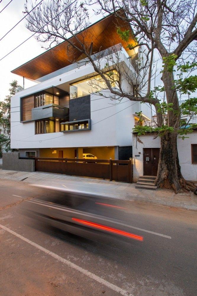 Bagrecha Residence by Cadence (Architect In Charge: Smaran Mallesh, Narendra Pirgal, Vikram Rajashekar // Project Architects: Smitha Lukose, Komal Bhulani, Sangeetha Patrick, Aishani Nath) / Bengaluru, Karnataka, India