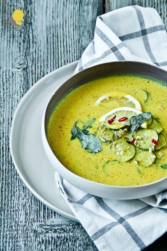 Ostatnie podrygi lata w mieście i ciepła zupa z cukinią, która parzy w usta