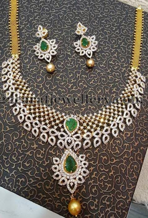 Jewellery Designs: Lalitha Jewellers Grand Diamond Set