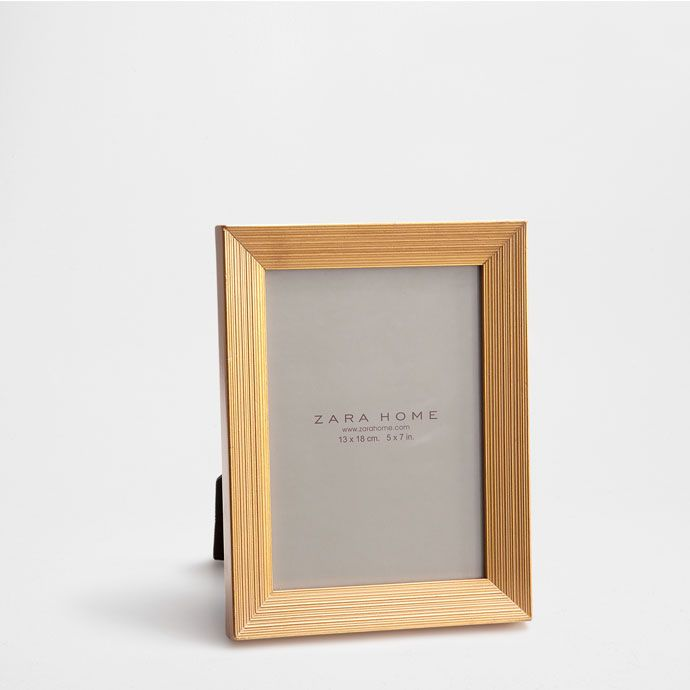 goldener rahmen mit relief zara home switzerland framedaze pinterest rahmen. Black Bedroom Furniture Sets. Home Design Ideas