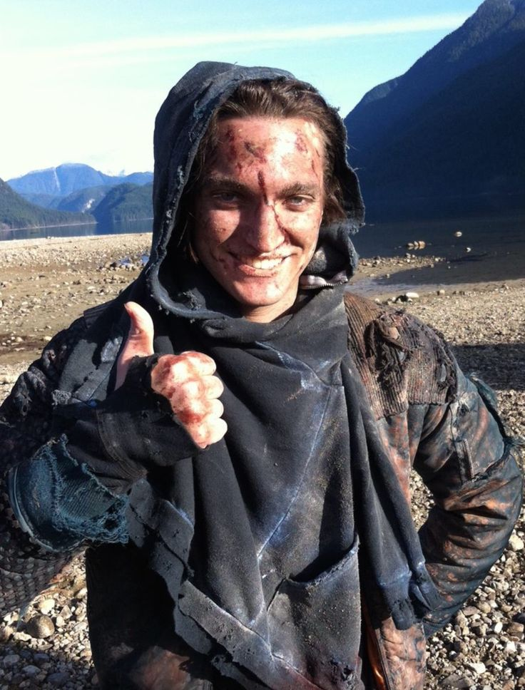 Richard Harmon as John Murphy on The 100 | The 100 | The ...