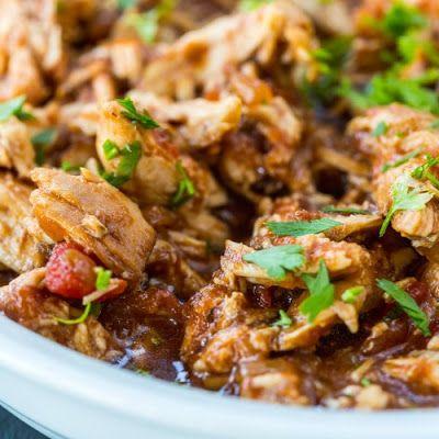 Crockpot  3-Ingredient Balsamic Skinny Chicken @keyingredient #cheese #crockpot #slowcooker #tacos #delicious #chicken
