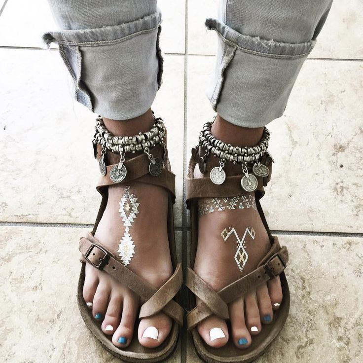"Shaynah on Instagram: ""Milking that Caribbean tan and 4th of July pedi for all they're worth today """