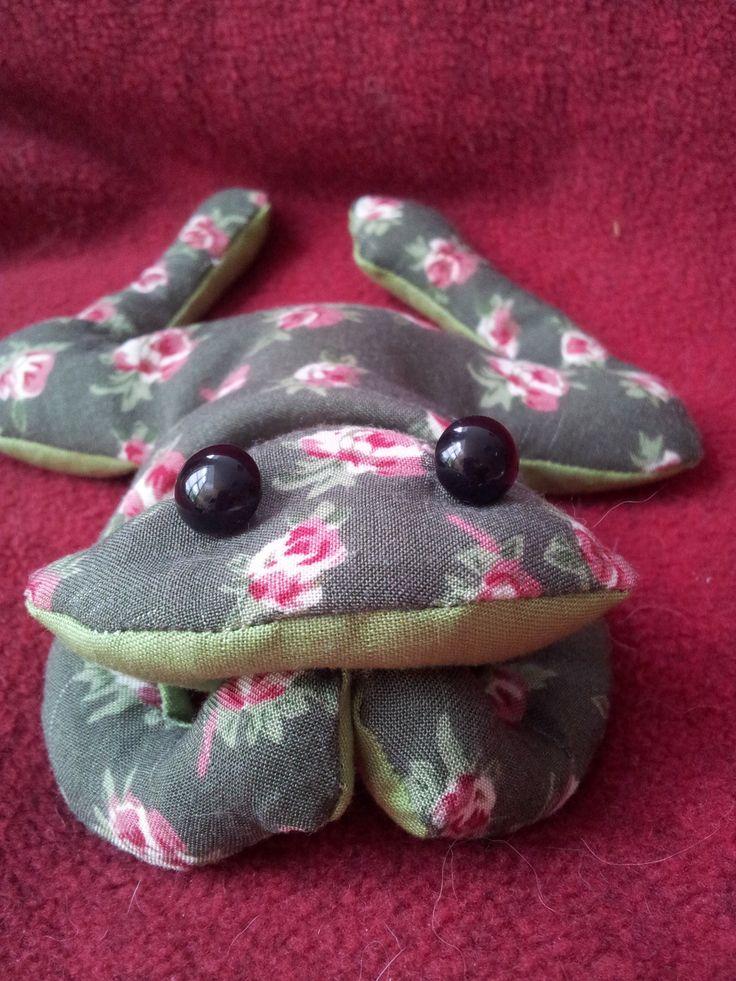 Grenouille en tissu remplie de riz. : Jeux, jouets par meli-melo-de-laine