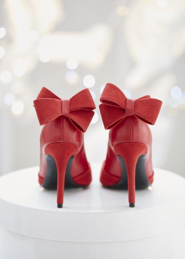 Chaussures rouge noeuds                                                                                                                                                                                 Plus