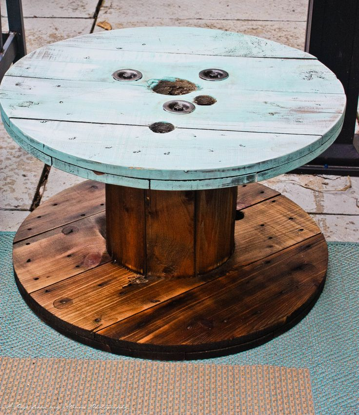 17 best images about wooden cable spool furniture on for Outdoor tables made out of wooden wire spools