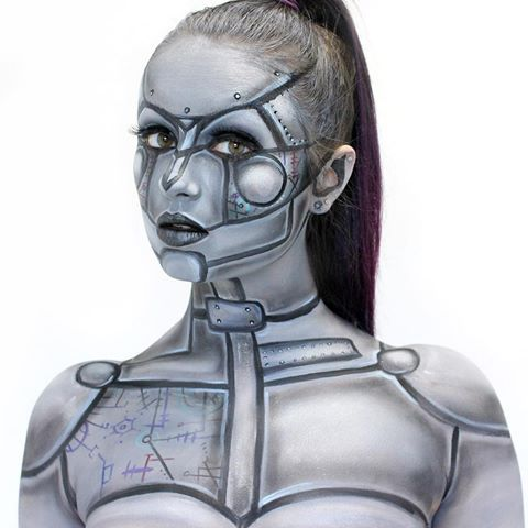 Hello and welcome to new followers!!!! So glad you've found my page  Some robot makeup for today.. Haven't ever done a makeup like this (besides maybe Iron Man being a little similar), so it was a lot of fun and a bit of a challenge for me! Love to revisit this at some point!! Have a lovely day everyone #makeup #bodypaint #robot