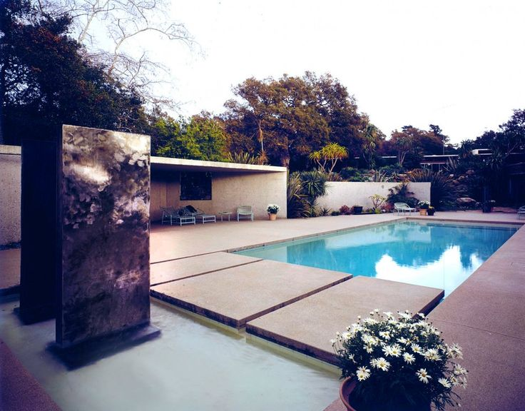 House of the Day: The Tremaine House by Richard Neutra | Journal | The Modern House