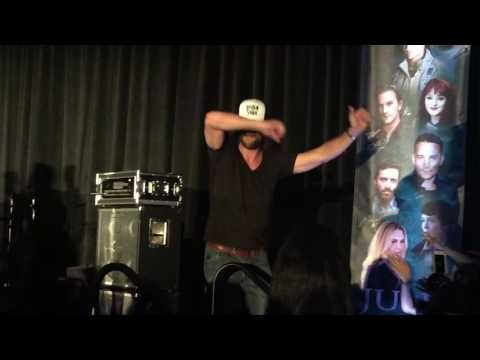 Rob Benedict singing Purple Rain with Entire Cast at Phoenix Convention 2016 - YouTube