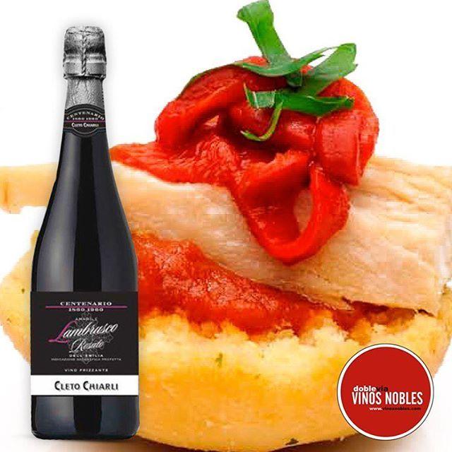 Un #LambruscoCletoChiarli con unas ricas #tapas, bien frío, es un placer y si estamos en #SemanaSanta disfrutando entre amigos ¡es inigualable! @VinosNobles www.vinosnobles.com  #Vino #Wine #Winelover #ClubdeVinos #Sommelier #Viñedos #RutaDelVino #WineTour #WineTasting #Winery #Winemaker #Harvest #Cellar #Travel #Food #Culture #Barrels #Grapes #Catas #Sibarita