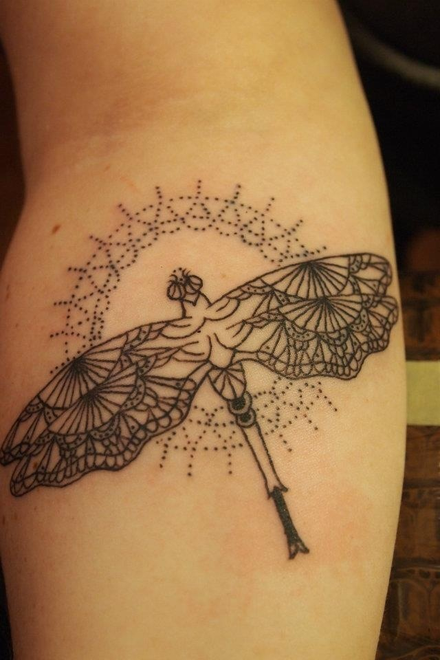 Background is amazing - dragonflies aren't my thing...#Dragonfly pointillism tattoo