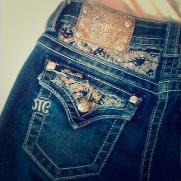 Miss mes Miss mes size 25! Perfect condition . Worn once , to long on me . Inseam 37. No damage at all . NWOT❤️ Miss Me Jeans Boot Cut