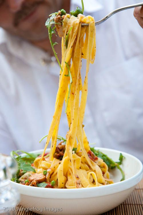 Fettucini with Peas, Smoked Chicken and Sun Dried Tomatoes