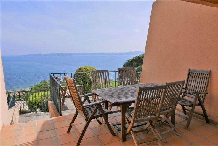 Nice apartment with two terraces directly at the beach #St_Maxime  For sale Sainte-Maxime in a private domain with pool and direct access to the sea, Triplex with terrace Exceptional panoramic sea view over the Gulf of Saint-Tropez.  Living area 84 s.qm.   Car park. https://aiximmo.ch/?p=225458  #frenchriviera #cotedazur #mallorca #marbella #sainttropez #sttropez #nice #cannes #antibes #montecarlo #estate #luxe #provence #immobilier #luxury #france #spain #monaco #miami