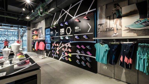 Pin su New Balance Retail Space