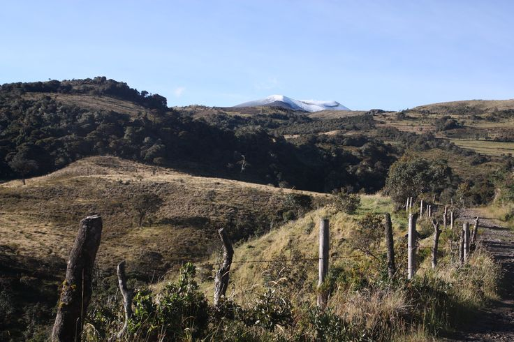 ParkLife Hostel Popayan presents: Purace Volcano. Although it looks like there is snow, it is not snow. At least that day.