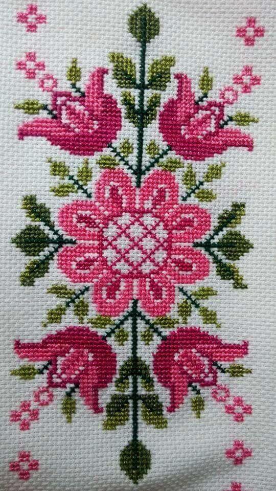 Rosa ponto cruz