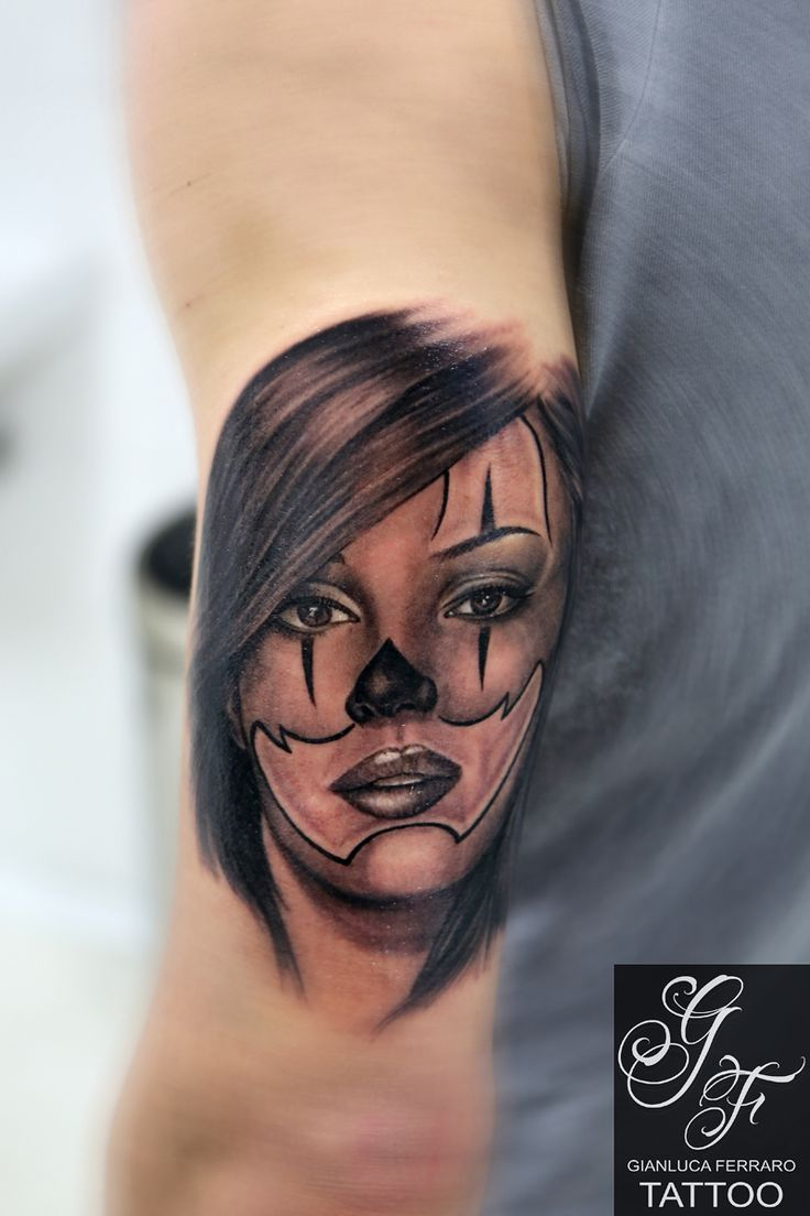 #tattoo #tatuaggi #napoli #naples #gianlucaferrarotattoo #italy #tattedup #realistic #tatuatori #art #passion #love #happy #like #fineart #bodyart #atwork #realismo #ink #beautiful #freehand #arte #artist #tatuatore #tatts #inkedup #photooftheday #tattoist #tagsforlikes #chicano #losangeles #realistico #portrait #ritratto #model #messicana #chicanostyle #LA #cali #california #westcoast #mexico #clown #clownwoman #catrina #catrinatattoo #blackgrey #sugarskull