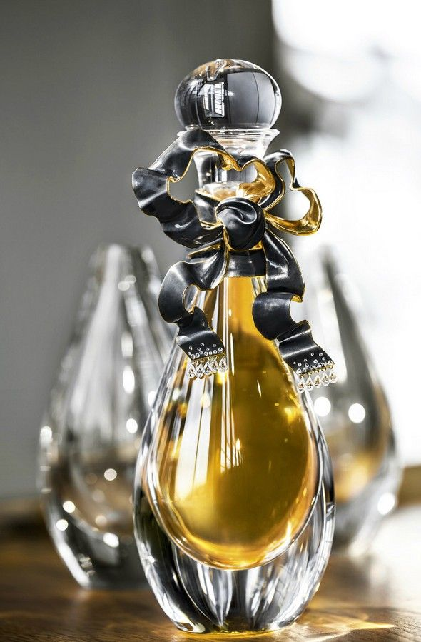 LIMITED EDITION: MUST-HAVE J'ADORE DIOR SPECIAL EDITION | #dior #baselshows #basel #designshows #design | http://www.baselshows.com/