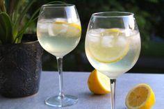 Frisk drink med cava, gin och citron