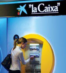 vino y girasoles: Adicae denunció a Caixabank.