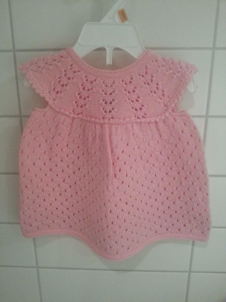 Dress knitted in Lanett from Sandnes yarns
