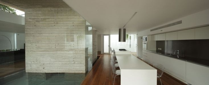 Bunker House by Estudio Botteri-Connell | HomeDSGN, a daily source for inspiration and fresh ideas on interior design and home decoration.