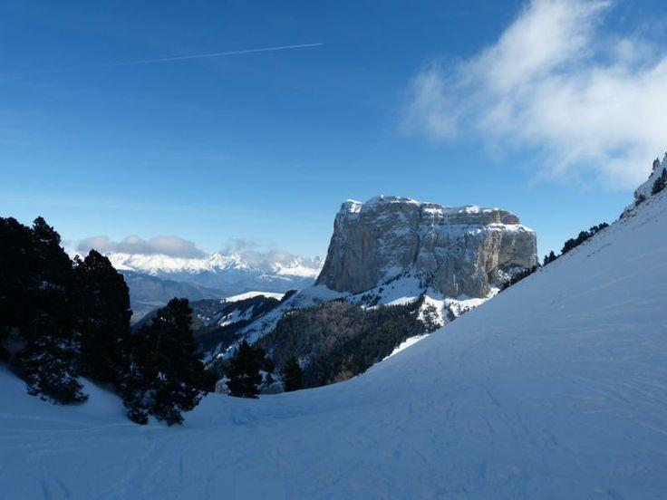 Le mont Aiguille depuis le Pas de la Selle