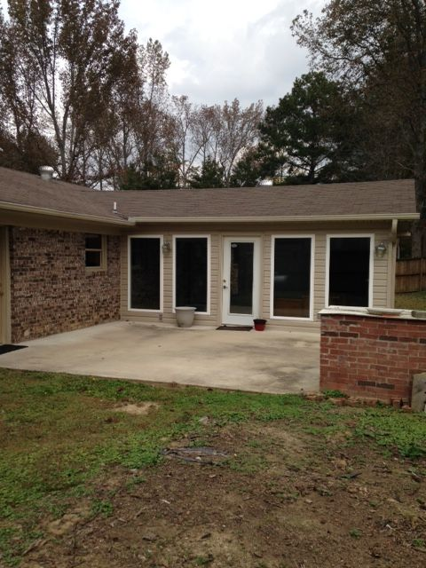 This is my mother-in-law's house...if interested please call Julie Brown with Caldwell Banker Guntersville.
