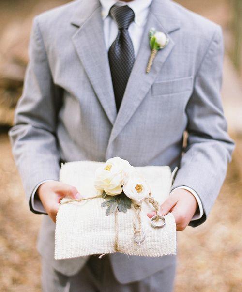 秋らしい素材と色合いを選んで秋感を出して...♡秋の結婚式のリングピローアイデア一覧♡