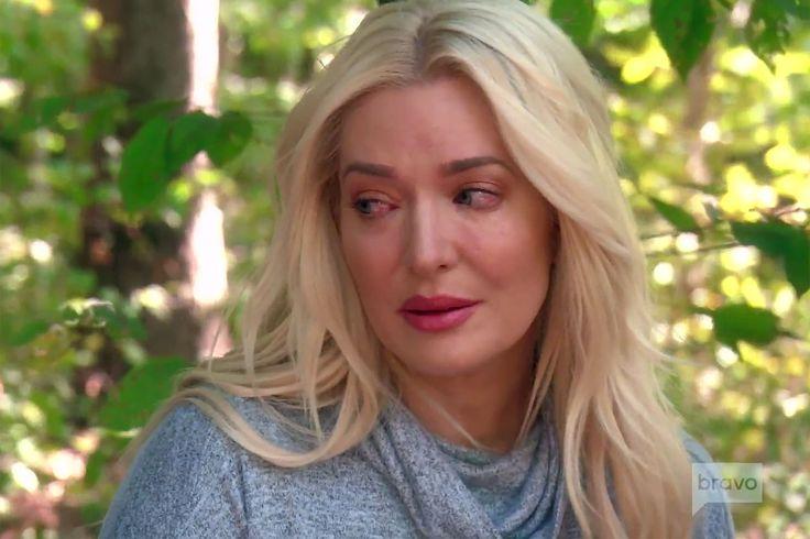 RHOBH: Erika Girardi Breaks Down over Grandmother's Alzheimer's Disease Battle http://ift.tt/2nfjVLq