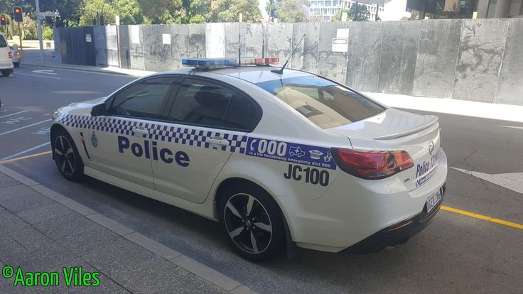 https://flic.kr/p/Z8VWQG | Western Australia Police | Holden Commodore SV6 Sedan JC100 General Duties police vehicle. Perth CBD, WA
