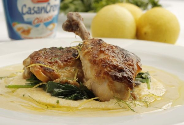 Pollo con CasanCrem, limón y polenta - Chicken with polenta