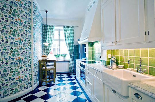 What a fabulously put together kitchen!!