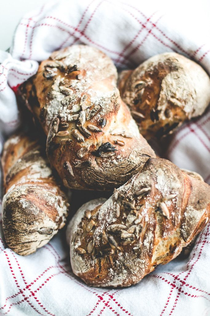 Baking Magique | No-Knead Overnight Rye Bread Rolls | http://www.bakingmagique.com
