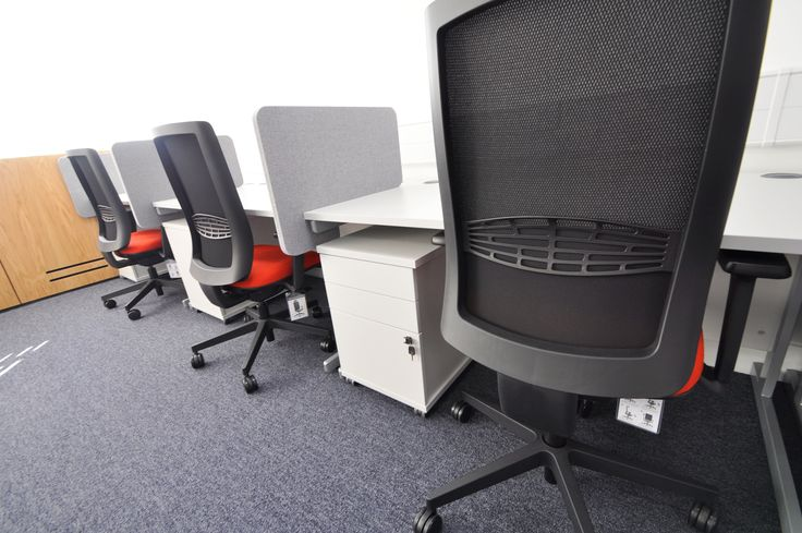 University of Southampton: Highfield Campus.  Ensemble mesh task chairs.
