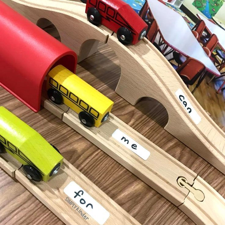 Free Sight Word Train Center Printable from Simply Kinder. A great addition to add some accountability to your preschool and kindergarten play-based centers.
