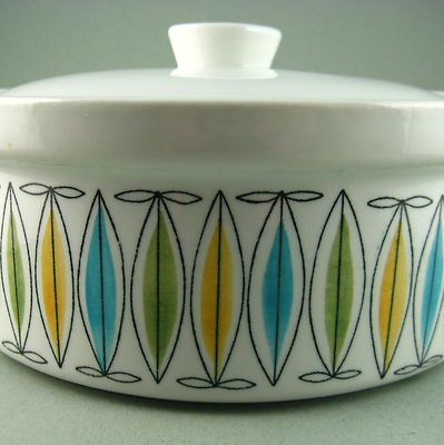 Vintage covered casserole by Arabia Finland in the Korona pattern - fabulous Scandinavian modern design and very 1960's don't you think?