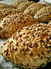 teljes kiőrlésű Szeretjük a magvakat, kenyérbe, pékáruba vagy csak magában, pirítva nasiként. Ezúttal egy ultra magos buci készült, kívü...