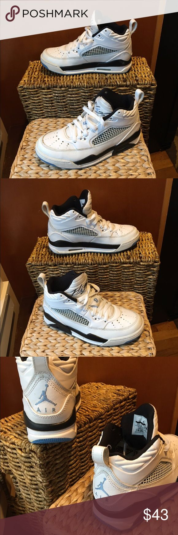 Nike Air Jordan flight shoe size 4Y Nike Air Jordan Flight 9.5 (GS) White/Legend Blue-Black #654975-127. kids size 4Y, could also be a woman's size 5.5. These sneakers are in excellent used condition, hardly creasing, some wear in the bottom but still very clean. Originally 90.00. No box included. Nike Shoes Slippers