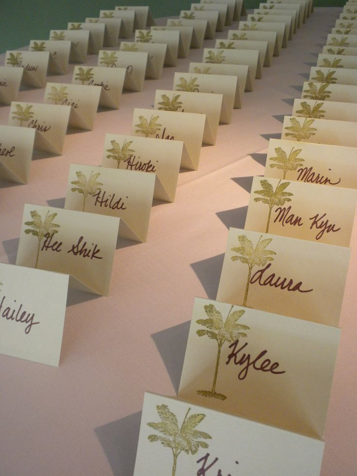 Loving these place cards from a wedding