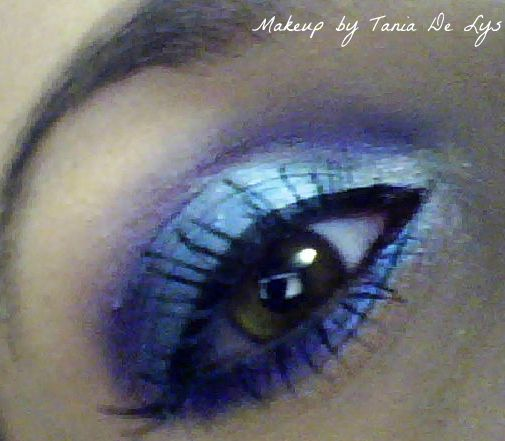 Purple and blue smokey eyes makeup