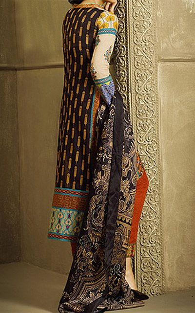 Our online clothing store has a large and diverse collection of dresses. Specially made on order, these Pakistani shalwar kameez suits are made with Chiffon, Cotton,   Silk and Georgette fabrics. Our clothes are easy to wear and are great for daily use. Whether.You have come to the right place.Pakistani fashion dresses, Online   Pakistani clothes, Cotton Lawn Dresses, Pakistani clothing store.Contact Us For Booking 042-3524 5667. Also Visit Our Website http://www.786shop.com/