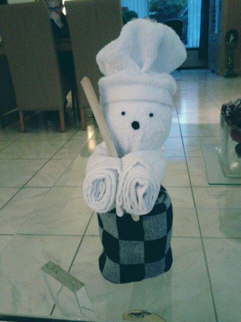 Deze leuke kok is een geschikt kado voor de kook liefhebber, of als een eyecatcher in de keuken.