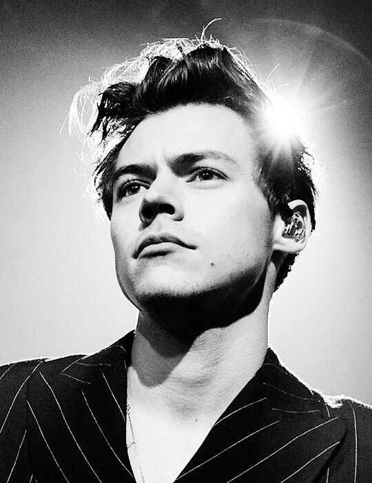 Ray of Light in today's pop Scene! Follow rickysturn/harry-styles