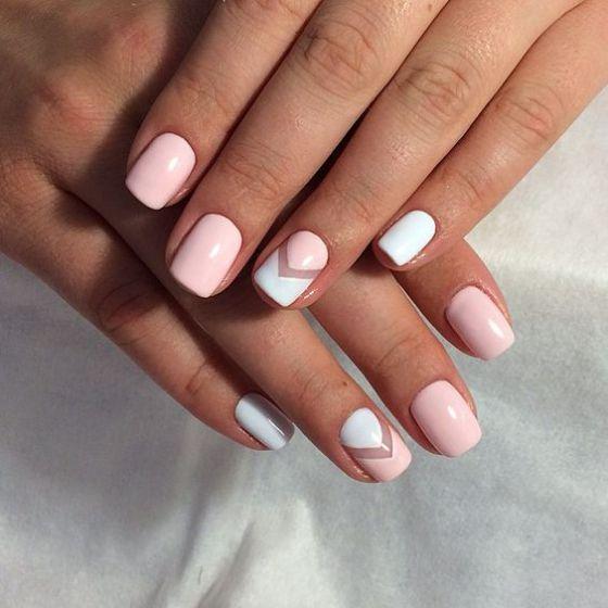 uñas en negativo con rosa y blanco