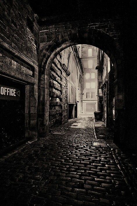 #dark #city #alley