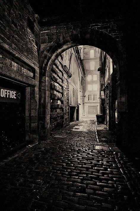 #dark #city #alley
